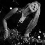 La guitarrista Joanne Shaw Taylor actuará mañana en el Azkena de Bilbao