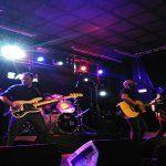 Hechizo rindió tributo a Héroes en la Stage Live