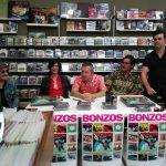 """Bonzos presentan """"Misión suicida"""" y aseguran tener la necesidad vital de hacer discos."""
