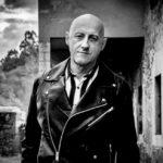 """Jorge Martínez (Ilegales): """"Nuestros conciertos van a tal velocidad que sólo puedo utilizar un modelo de guitarra"""""""