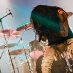 Triplete de bandas de metal con material nuevo